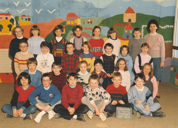 photo de classe classe de mme lefebvre de 1985 ecole louis lemonnier franqueville saint pierre. Black Bedroom Furniture Sets. Home Design Ideas