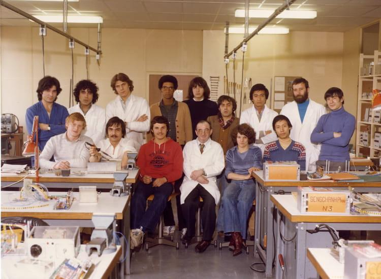 photo de classe cablage electronique de 1977 afpa copains d 39 avant. Black Bedroom Furniture Sets. Home Design Ideas