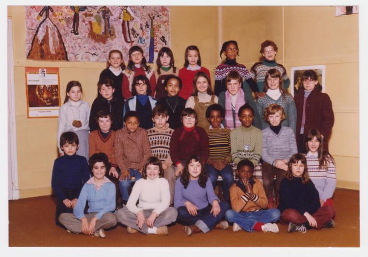 photo de classe classe 80 81 mme bourgoin de 1980 ecole les buttes copains d 39 avant. Black Bedroom Furniture Sets. Home Design Ideas