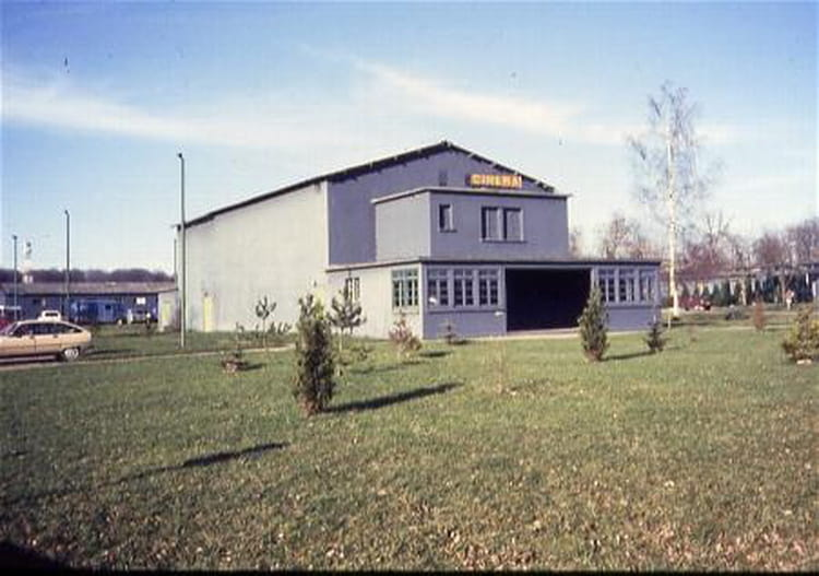 photo de classe le cin ma de 1986 ba 136 toul rosieres copains d 39 avant. Black Bedroom Furniture Sets. Home Design Ideas
