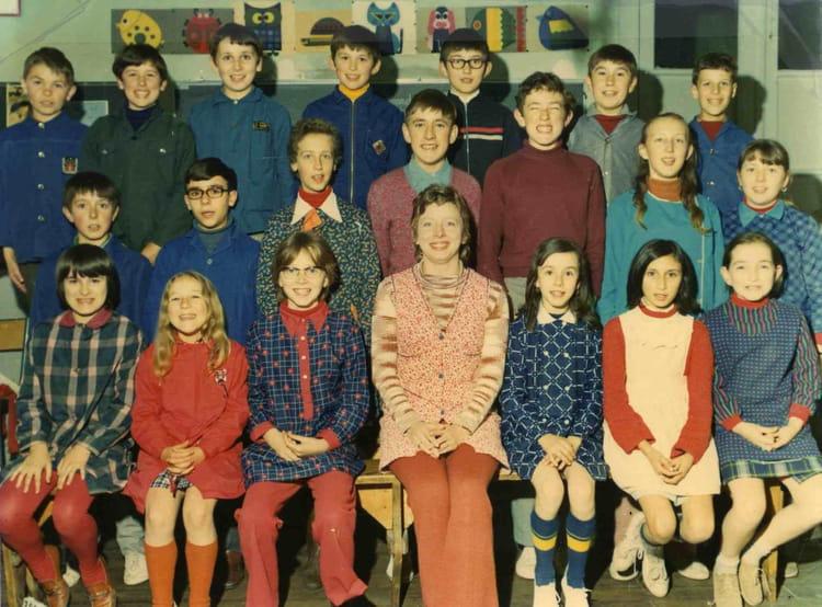 Photo de classe ecole primaire salon la tour 19 de 1970 for Salon la tour