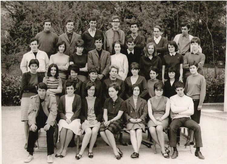 photo de classe philo de 1967 lyc e l 39 oiselet copains d 39 avant. Black Bedroom Furniture Sets. Home Design Ideas