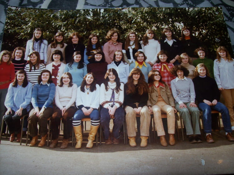 Photo de classe 1 ere annee d employee de bureau de 1977 for Bureau lyceen