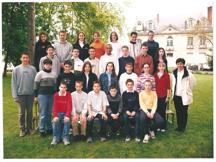 Photo de classe 4°3 de 2001, Collège Christ-roi Notre-dame-des-ailes ...