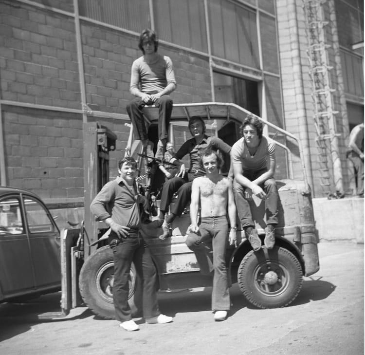 photo de classe st gobain travail d 39 t de 1970 c e g rue des coles cours foch copains d. Black Bedroom Furniture Sets. Home Design Ideas