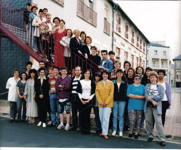 photo de classe  u00e9cole d u0026 39 aide soignante de 1997  centre hospitalier de chateauroux