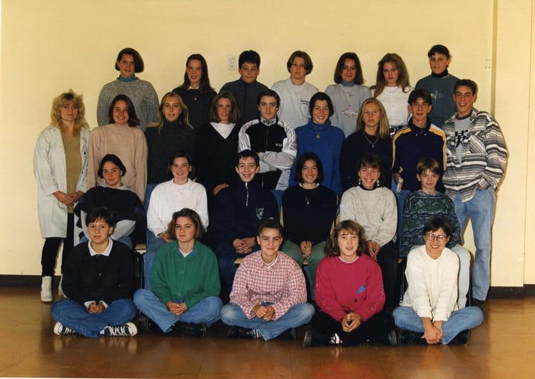 photo de classe 3 me 3 de 1996 coll ge l 39 oiseau blanc copains d 39 avant. Black Bedroom Furniture Sets. Home Design Ideas