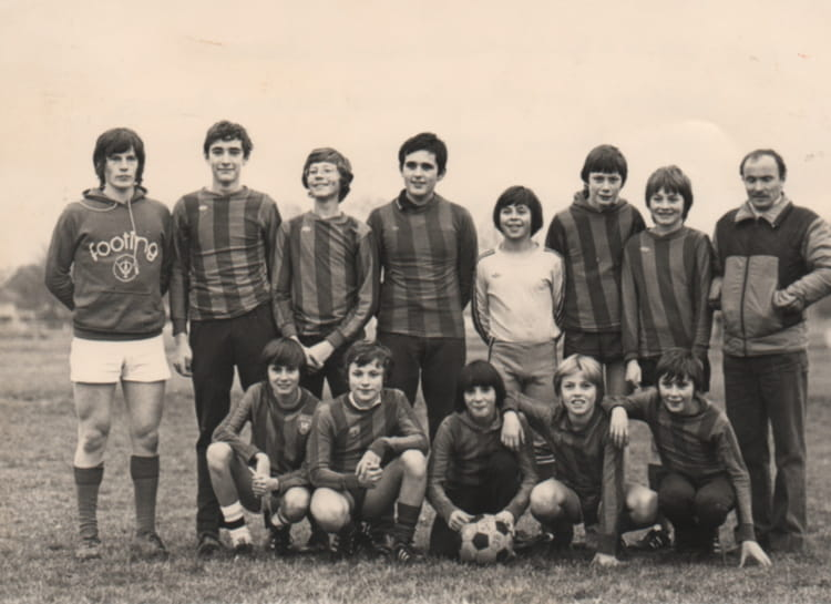 photo de classe equipe foot st j baptiste rouen 1979 de 1979 coll ge jean baptiste de la salle. Black Bedroom Furniture Sets. Home Design Ideas