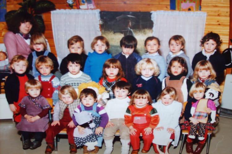 photo de classe 2 me ann e de maternelle de 1982 ecole sevigne bethune copains d 39 avant. Black Bedroom Furniture Sets. Home Design Ideas