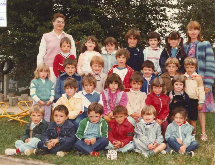 photo de classe maternelle sslf de 1983 ecole saint sulpice les feuilles saint sulpice les. Black Bedroom Furniture Sets. Home Design Ideas