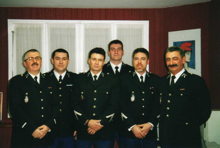 Photo de classe Inspection 2001 de 2001, Gendarmerie De Moutiers Les ...