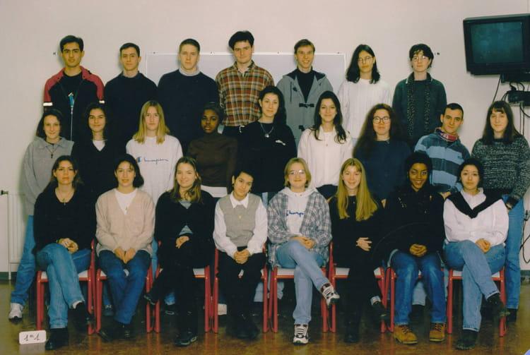 photo de classe 1 re 1 de 1996 lyc e albert einstein copains d 39 avant. Black Bedroom Furniture Sets. Home Design Ideas
