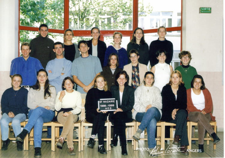 photo de classe bts action commerciale ac2 de 1998 lyc e notre dame d 39 esp rance copains d 39 avant. Black Bedroom Furniture Sets. Home Design Ideas