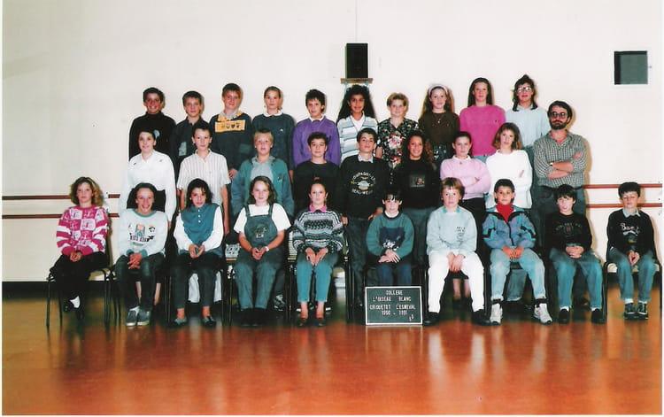 photo de classe cinqui me 5 ann e 1990 1991 de 1990 coll ge l 39 oiseau blanc copains d 39 avant. Black Bedroom Furniture Sets. Home Design Ideas
