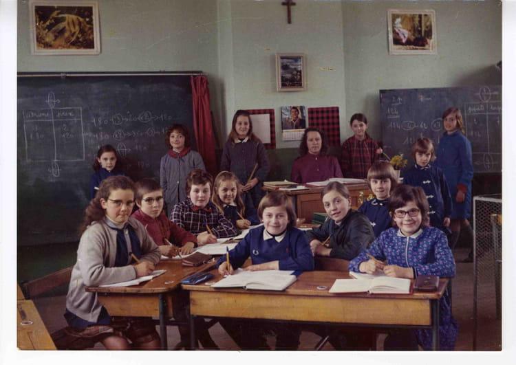 Photo de classe classe cm1 cm2 de 1971 ecole immaculee for Voyage bereyne