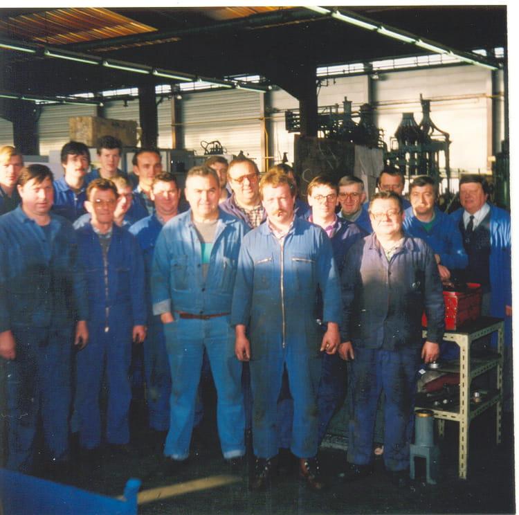 Photo de classe eq presses at mach fab de 1990 arc international copains d - Famille durand arc international ...