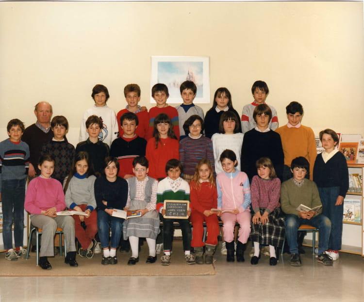 Photo De Classe Cm2 De 1985 Ecole Jean Brelet Saint Julien De