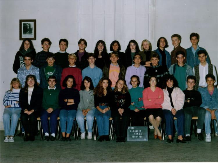 Photo de classe premiere 11 daudet nimes de 1991 lyc e for Lycee alphonse daudet