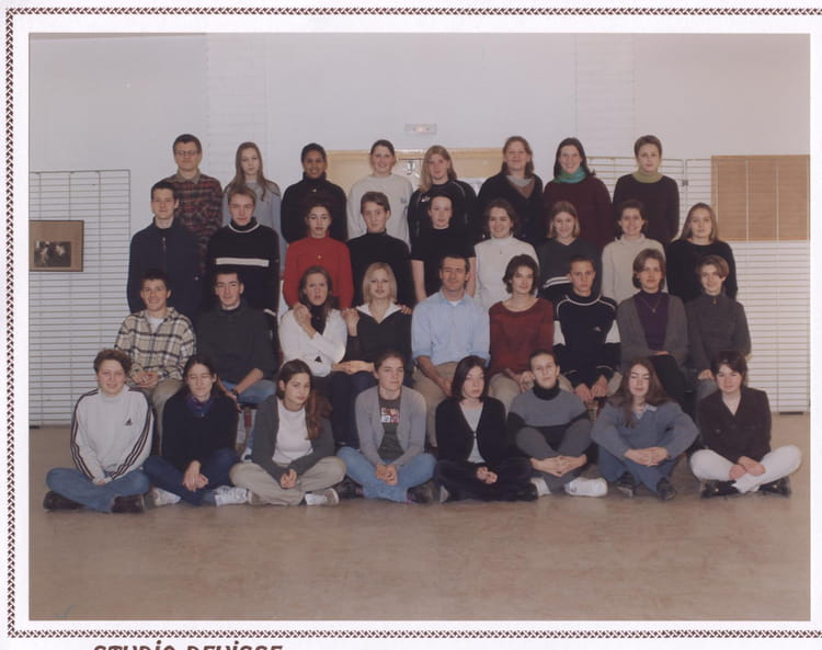 photo de classe tl1 de 1999 lyc e louis thuillier copains d 39 avant. Black Bedroom Furniture Sets. Home Design Ideas