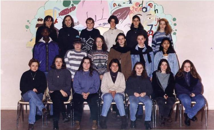 photo de classe 1 re es 8 edouard gand 1995 de 1995 lyc e edouard gand copains d 39 avant. Black Bedroom Furniture Sets. Home Design Ideas