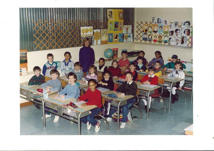 Photo de classe Primaire CE2 de 1989, Ecole Albert Aubel (Sainte Genevieve Des Bois) Copains d  # Auto Ecole Sainte Genevieve Des Bois