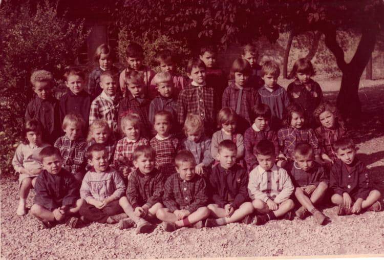 photo de classe cole maternelle de 1966 ecole jules michelet saint dizier copains d 39 avant. Black Bedroom Furniture Sets. Home Design Ideas