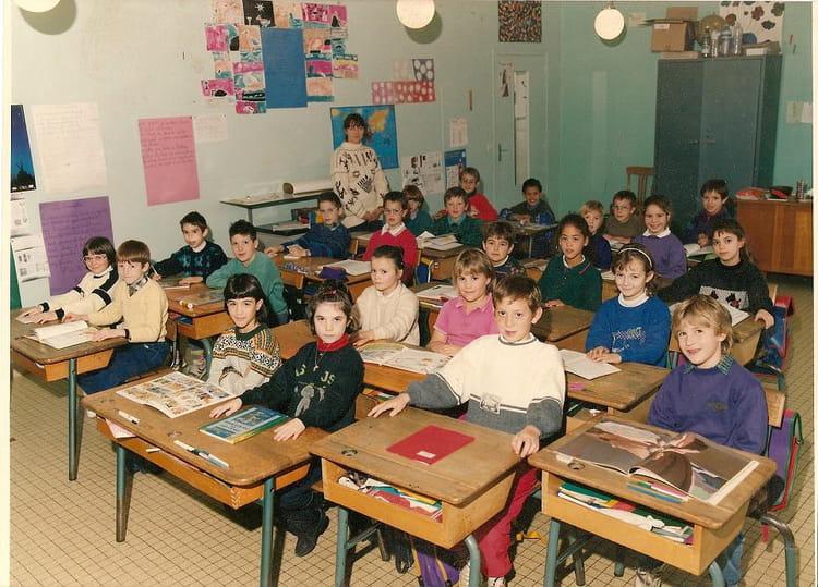 Photo de classe ce2 de 1991 ecole jacques prevert for Garage bailleau le pin