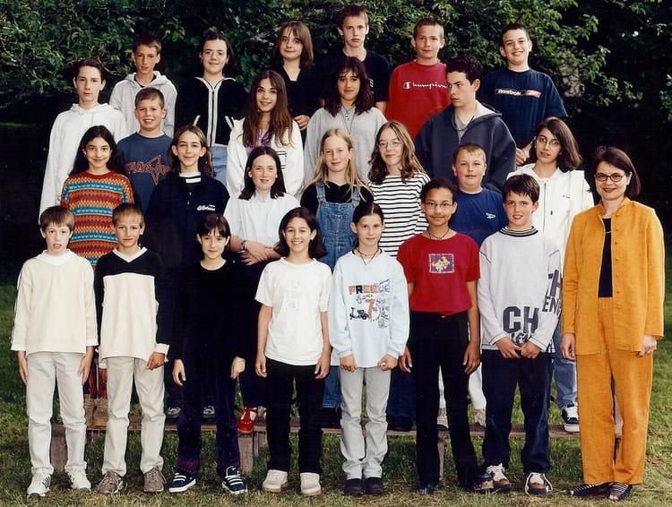 Photo de classe classe coll ge 6a de 2000 coll ge sainte for Lycee craponne salon
