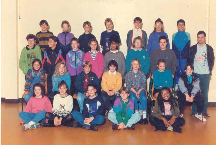 photo de classe 6e6 de 1993 coll ge l 39 oiseau blanc copains d 39 avant. Black Bedroom Furniture Sets. Home Design Ideas