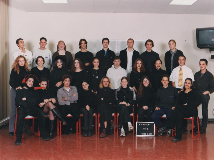 photo de classe ts8 de 1999 lyc e albert einstein copains d 39 avant. Black Bedroom Furniture Sets. Home Design Ideas