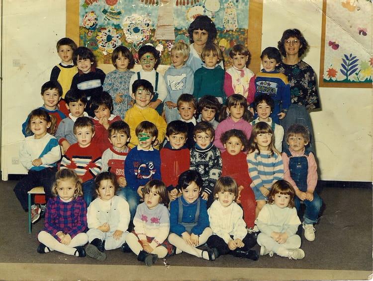 photo de classe photo de classe de 1987 ecole jean villemin pont du casse copains d 39 avant. Black Bedroom Furniture Sets. Home Design Ideas