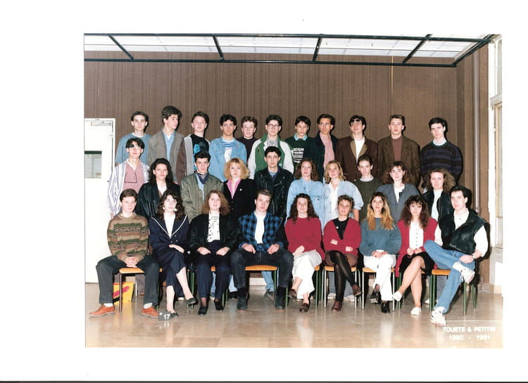 photo de classe 1ere fma1 de 1990 ecole boulle copains d 39 avant. Black Bedroom Furniture Sets. Home Design Ideas