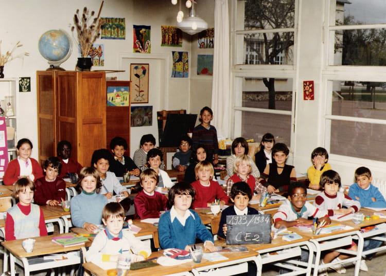 photo de classe ce2 de 1983 ecole jacques cartier copains d 39 avant. Black Bedroom Furniture Sets. Home Design Ideas