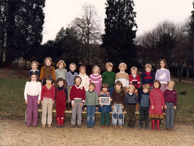 Photo de classe cp ce1 de 1980 ecole notre dame eurville for Eurville bienville