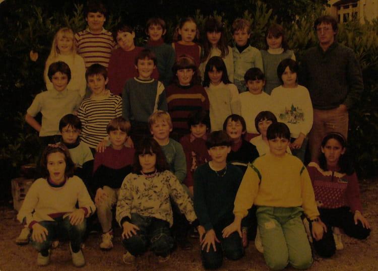 photo de classe cm1 de 1984 ecole paul jacques bonzon saint laurent en royans copains d 39 avant. Black Bedroom Furniture Sets. Home Design Ideas