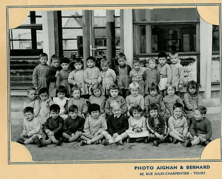 photo de classe maternelle sablons semard de 1955 ecole sablons semard saint pierre des corps. Black Bedroom Furniture Sets. Home Design Ideas