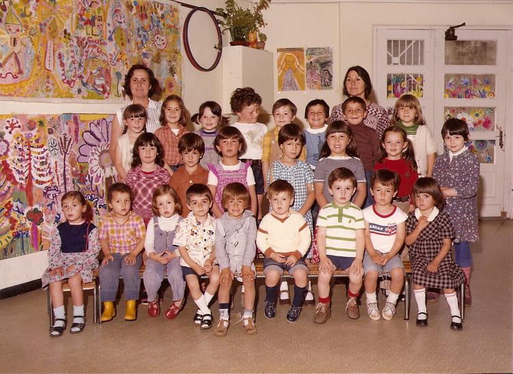 photo de classe maternelle de 1979 ecole saint james montelimar copains d 39 avant. Black Bedroom Furniture Sets. Home Design Ideas