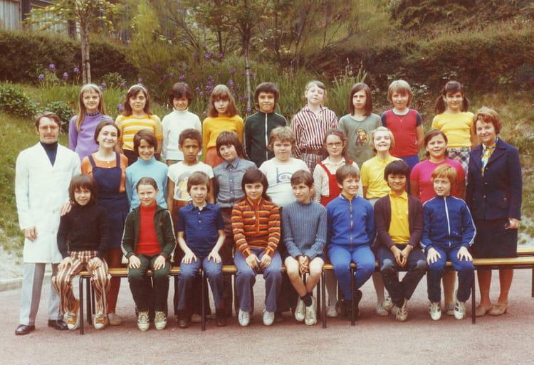 Photo de classe ecole les raguidelles suresnes 1973 de for Piscine des raguidelles