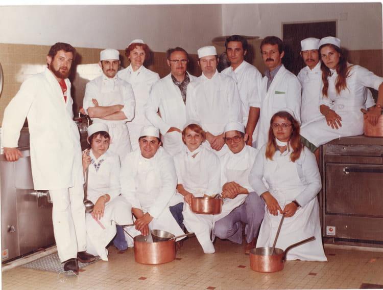 photo de classe cuisine collective de 1977, afpa istres - copains