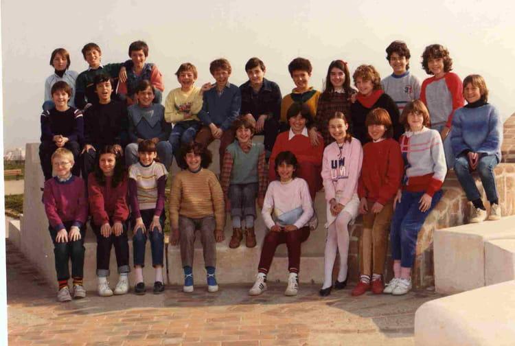 photo de classe 6 7 marc sangnier de 1983 coll ge marc sangnier copains d 39 avant. Black Bedroom Furniture Sets. Home Design Ideas