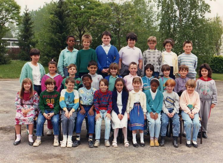 photo de classe ce2 de 1987 ecole alfred binet meaux copains d 39 avant. Black Bedroom Furniture Sets. Home Design Ideas