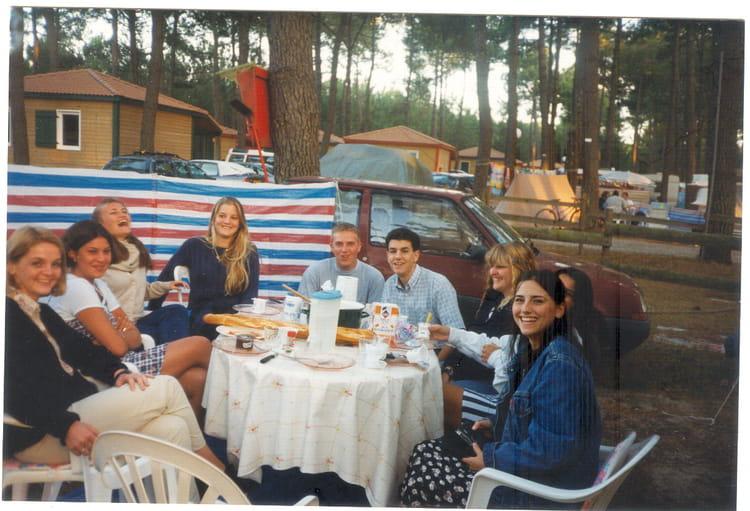 Photo de classe repas aout 1996 de 1996 camping grand crohot mai - La maison de la gendarmerie ...