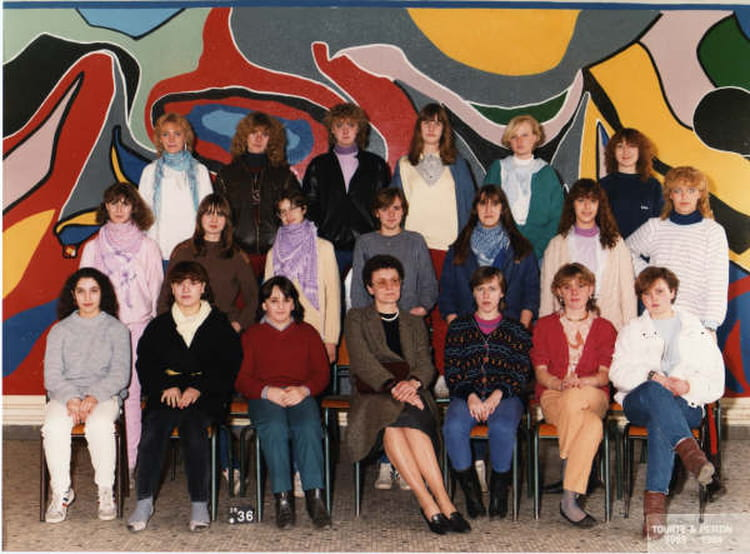Photo de classe classe employee de bureau de 1984 lycee for Bureau lyceen