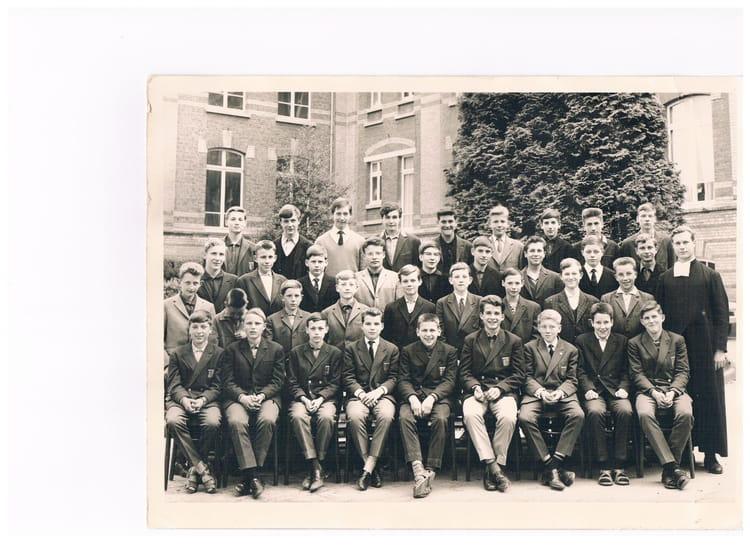 photo de classe classe de 4 232 me 1963 de 1963 college de la salle copains d avant