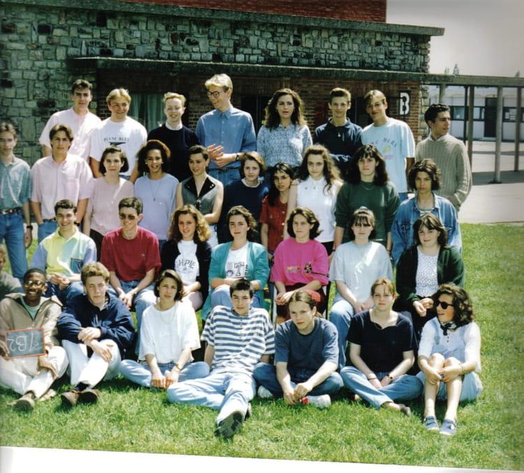 photo de classe 1b2 de 1992 lyc e louis thuillier copains d 39 avant. Black Bedroom Furniture Sets. Home Design Ideas