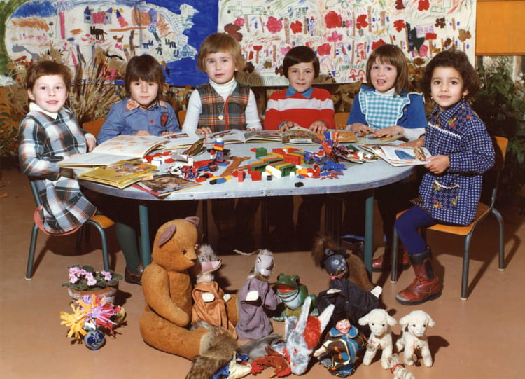photo de classe peite section maternelle groupe jean bontoux 69 de 1975 ecole jean bonthoux. Black Bedroom Furniture Sets. Home Design Ideas