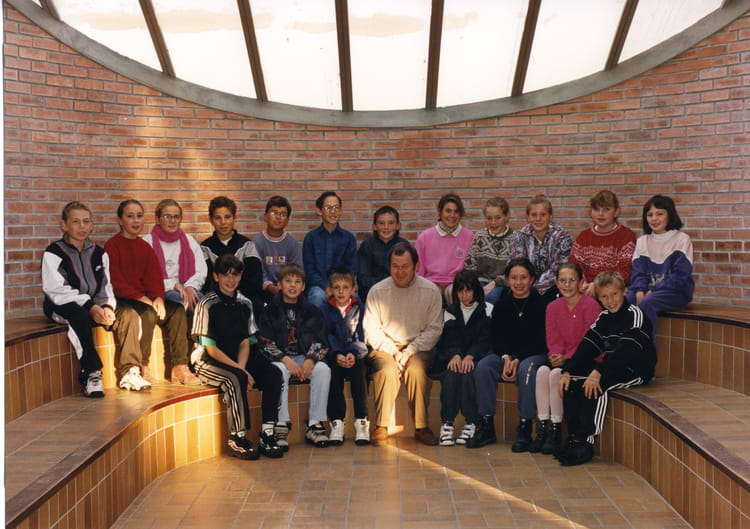 Photo de classe 6 u00e8me A de 1996, COLLEGE ALFRED KASTLER   Copains d u0026#39;avant