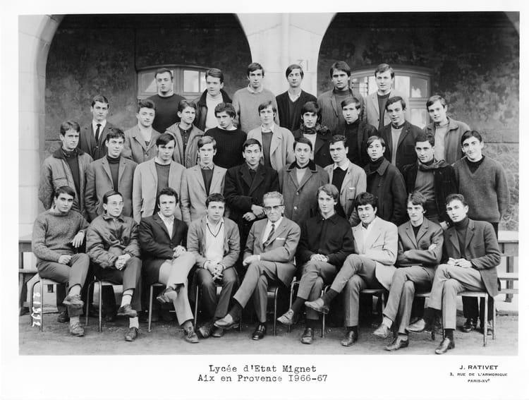 Photo de classe terminale philo lyc e mignet aix en for Ecole militaire salon de provence