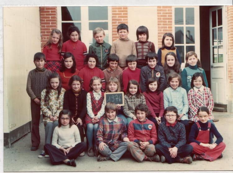 photo de classe cm1 de 1976 ecole primaire breal sous montfort copains d 39 avant. Black Bedroom Furniture Sets. Home Design Ideas