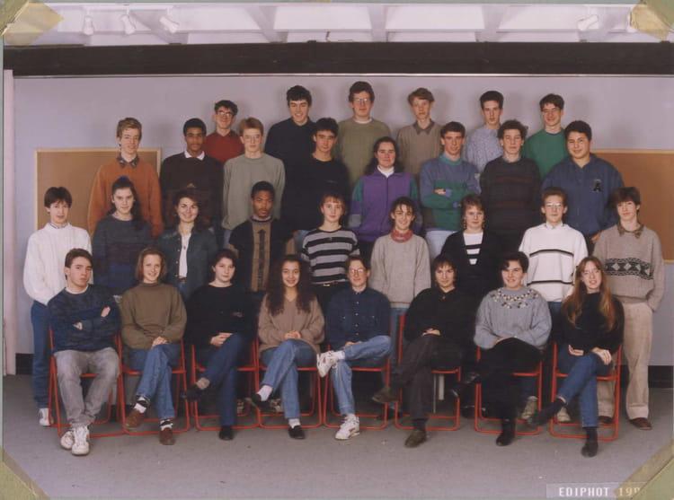 photo de classe 1es de 1991 lyc e albert einstein copains d 39 avant. Black Bedroom Furniture Sets. Home Design Ideas